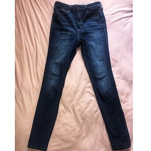 Hollister Ultra High-Rise Jeans